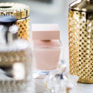 Trucos para que el perfume dure más en tu piel